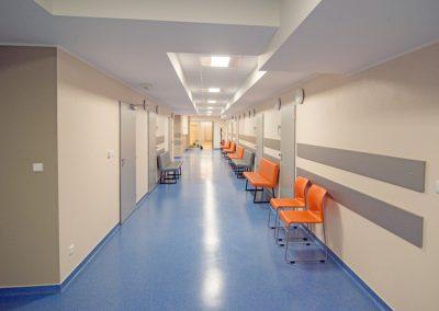 Poczekalnia i wejścia do ambulatoriów